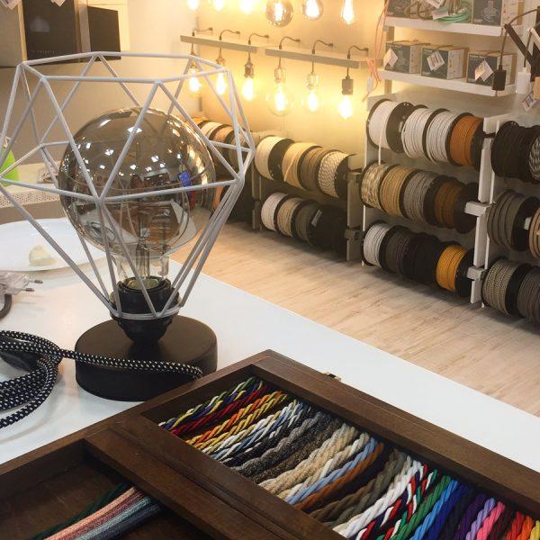 Idee originali per l'illuminazione con le lampade Creative Cables