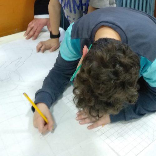 Rielaborazione delle idee. Ogni classe ha composto un testo scritto che avrebbe dovuto essere visualizzata con i disegni. Il testo ha dato spunto per la composizione di 2 canzoni ed un balletto